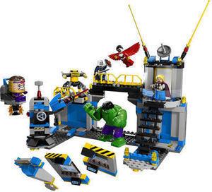 LEGO Super Heroes Hulk Lab Smash