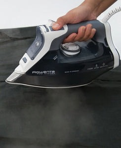 DW8183 Pro Master Steam Iron